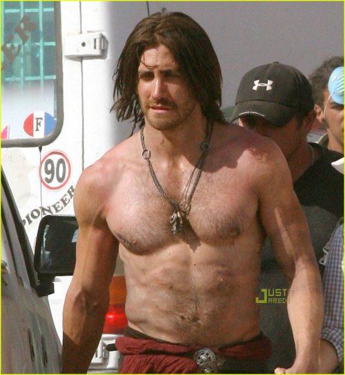 jake-gyllenhaal-shirtless-prince-of-persia-02